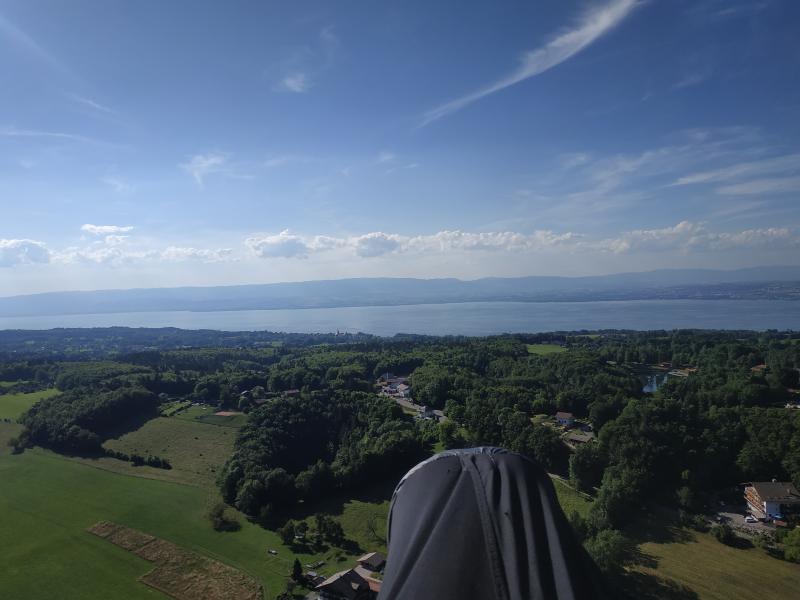 vue sur le lac léman pour Tuyen